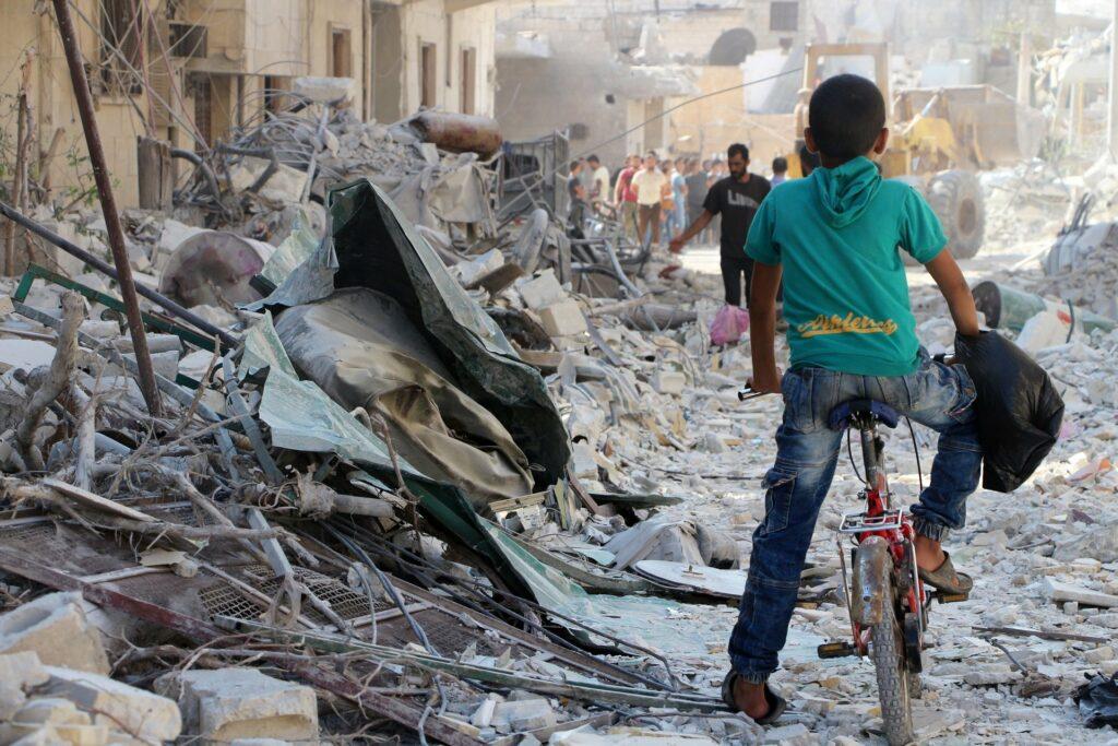 ONU denuncia crímenes de guerra contra niños sirios