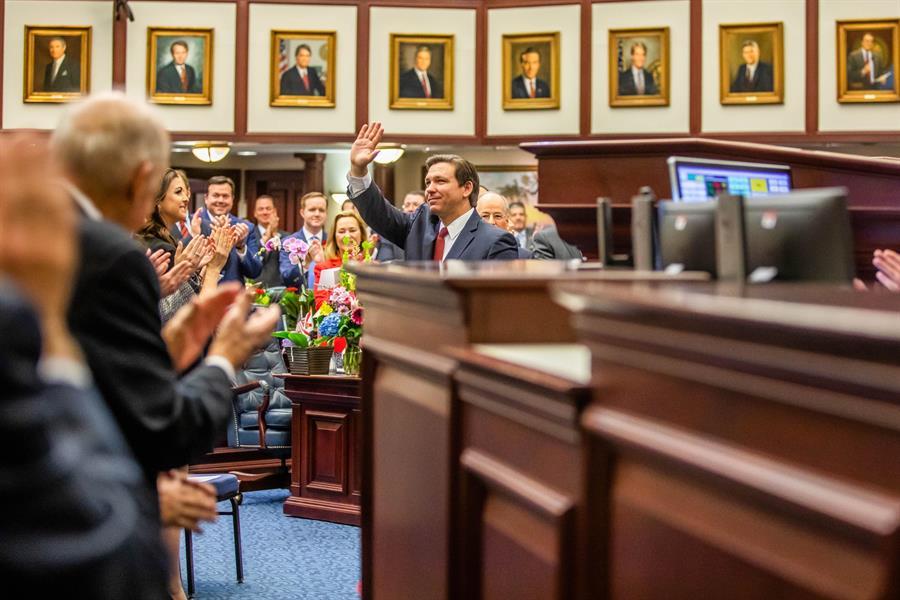 Corte Suprema asesta golpe financiero a exreos que buscan votar en Florida