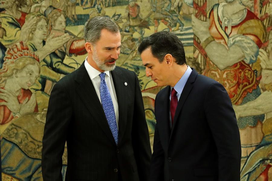 Sánchez promete su cargo y ultima la composición del nuevo Gobierno