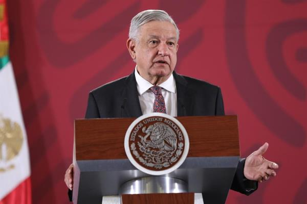 """Presidente mexicano dice que Guardia Nacional actuó """"muy bien"""" con migrantes"""