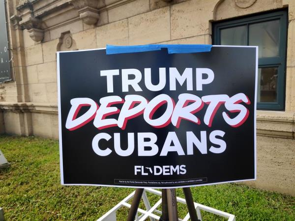 Latinos por Trump boicotea acto demócrata en contra de políticas migratorias