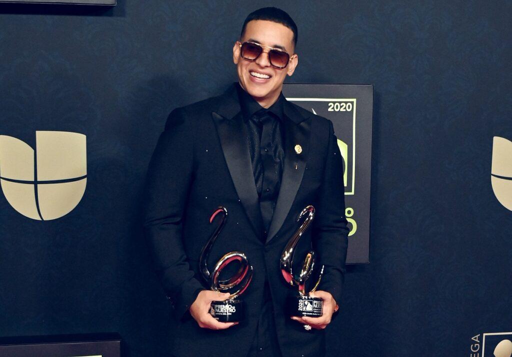 Daddy Yankee reina en Premio Lo Nuestro con siete trofeos