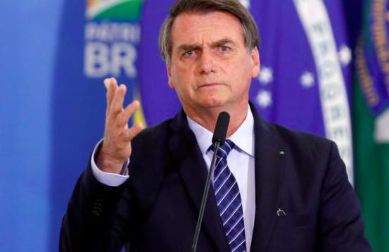 """Bolsonaro sigue discurso de Trump por TV y critica intento de """"impeachment"""""""