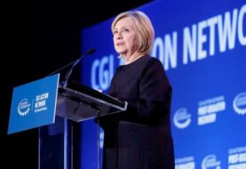Hillary Clinton advierte en Puerto Rico sobre la crisis climática