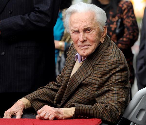 Fallece leyenda del cine Kirk Douglas