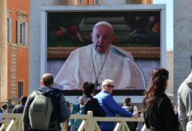 El papa celebra su audiencia con los fieles desde palacio por el coronavirus