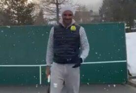 Federer se entrena bajo nieve y contra una pared (+ video)