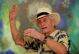 Michael Douglas recibe un reconocimiento en Cartagena por su vida y obra