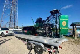 """Policía usará el mítico """"bote de aire"""" para patrullar los Everglades"""