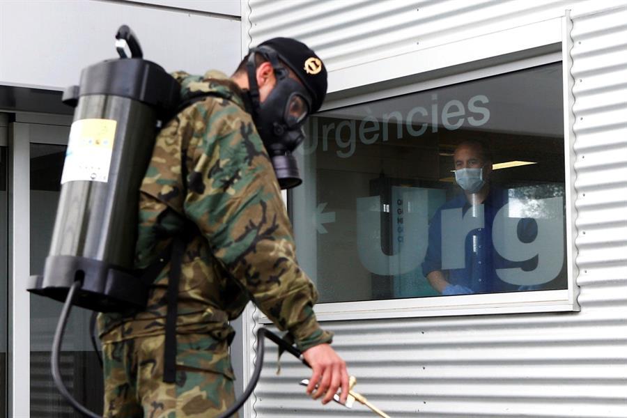 España registra un nuevo repunte de contagios y muertes