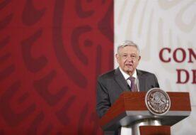 López Obrador acusa a adversarios de usar a famosos como Thalía para atacarlo