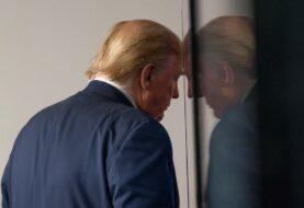 """Trump anuncia plan de """"reapertura"""" en medio de muchos problemas"""