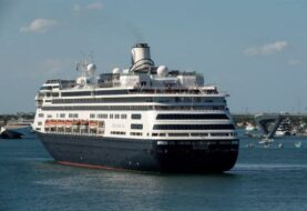 Autorizan desembarco en Florida de pasajeros de cruceros con enfermos