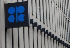 Petroleras acuerdan recorte récord para frenar caída de precios