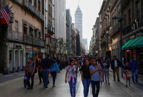 Ciudad de México estudia reabrir restaurantes y tiendas el 15 de junio