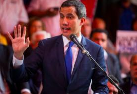Guaidó califica de propaganda envío de combustible iraní a Venezuela