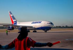 Cuba recibe primer vuelo con 140 cubanos varados en EEUU por el COVID-19