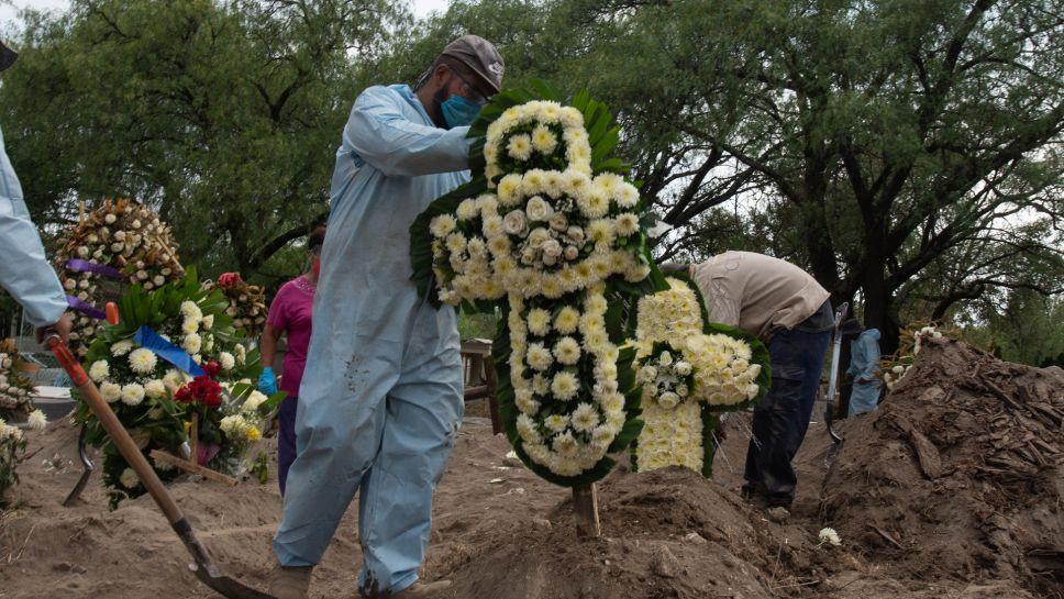 México presenta su día de más muertes y contagios de COVID-19