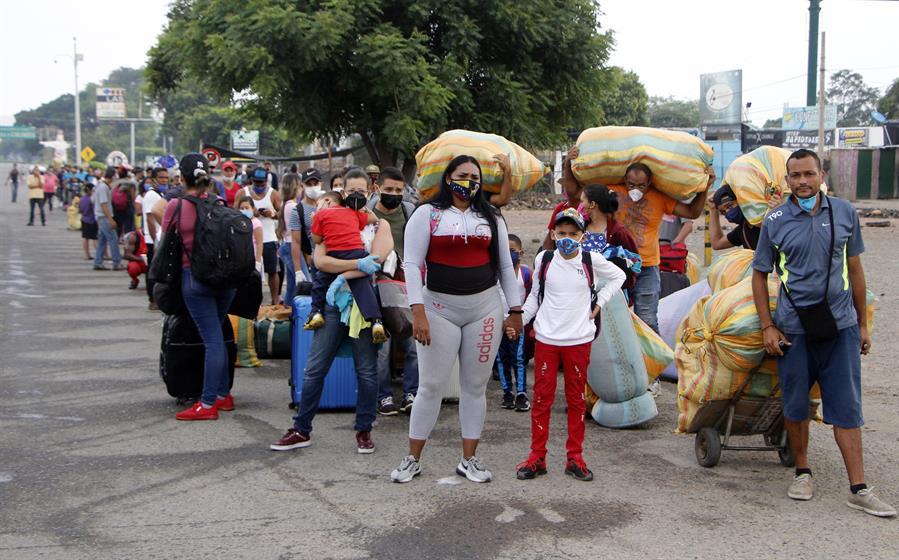 La odisea de los venezolanos que vuelven desde Colombia en imágenes