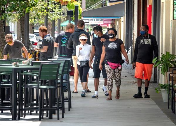 """Florida registra un """"pico"""" de 60 muertes por COVID-19 en un día"""