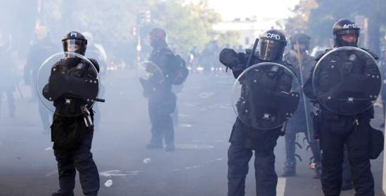Ciudades de EE.UU. retiran sus toques de queda tras protestas pacíficas
