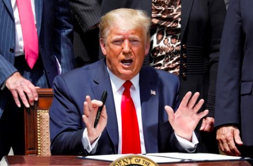 Trump asegura que el racismo se combate con una economía fuerte
