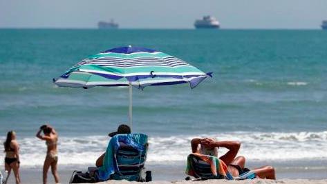 Miami celebra la apertura de playas pero supera los 20.000 casos de COVID-19