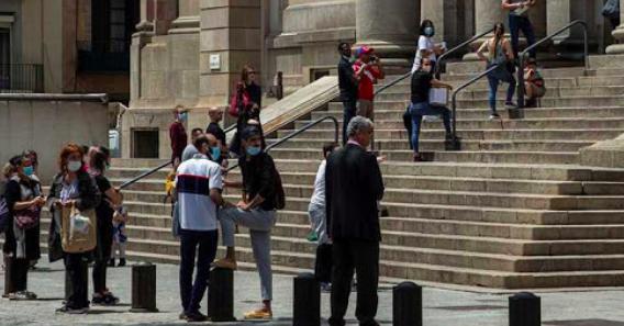 España mantiene la cautela ante posibles nuevos rebrotes de coronavirus