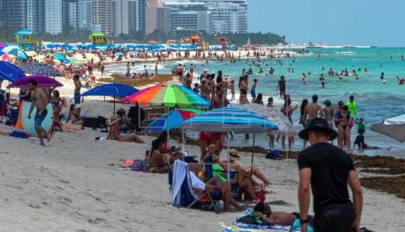 Florida anota récord de 2.783 casos nuevos COVID-19 en medio de desescalada