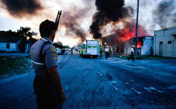 Documental rememora el caso que desató los disturbios raciales de 1980 en Miami
