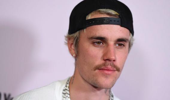 Justin Bieber recurrre a Twitter para negar una acusación de agresión sexual