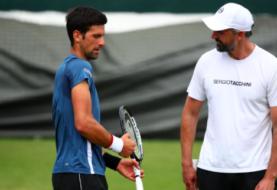 Entrenadores de Novak Djokovic contagiados del COVID-19