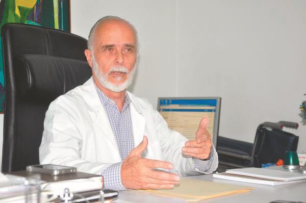 Exministro de Salud asegura que contagios por COVID seguiran en aumento