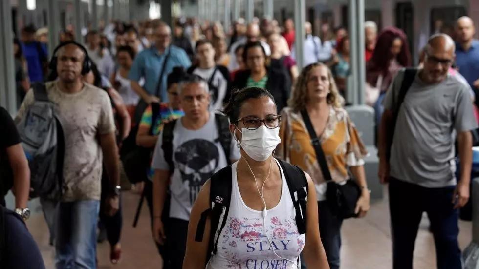 """México afirma que epidemia """"va hacia la baja"""""""