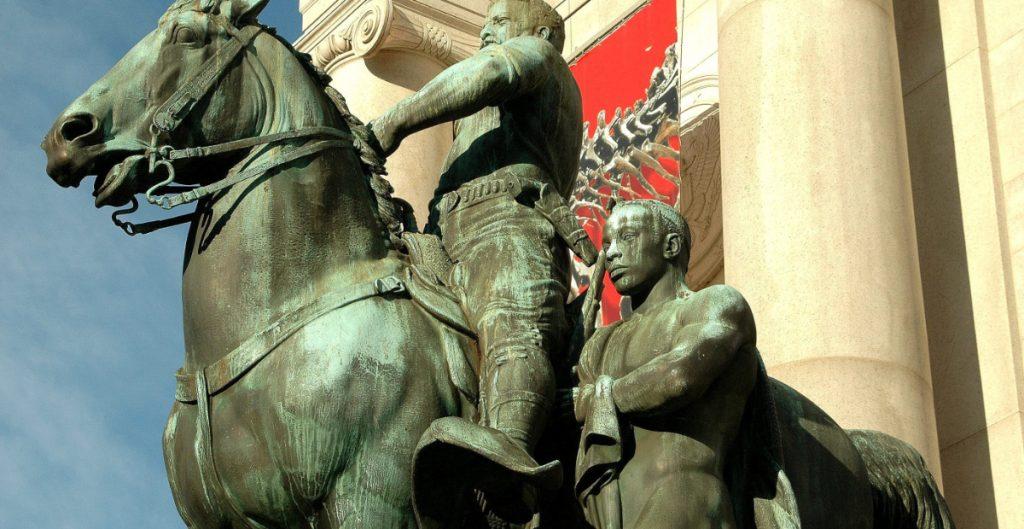Museo de Historia Natural de Nueva York retirará una estatua de Roosevelt