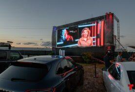 Telemundo realiza la primera premiere de una telenovela en un autocine
