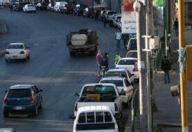 Venezolanos culpan al madurismo por la escasez de gasolina
