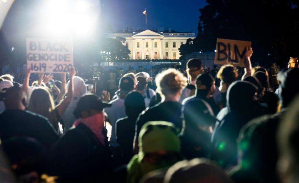 Violencia en las calles de EEUU sigue y Trump culpa a la izquierda