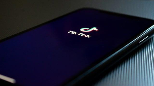 Amazon prohíbe a sus empleados usar TikTok