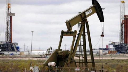 Petróleo de Texas sube un 0,7 % por mejora en la demanda de combustible