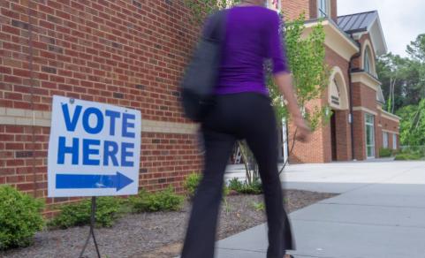 Retos primarias de Florida: promover voto latino y burlar el COVID-19