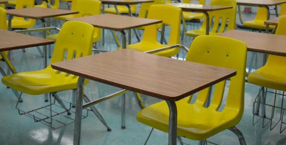 Sindicato de educación demanda a DeSantis por reapertura de clases en tiempos de pandemia