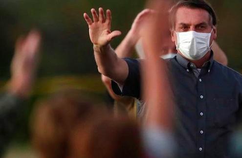 """Twitter suspende cuentas de cercanos a Bolsonaro por sospecha de """"fake news"""""""