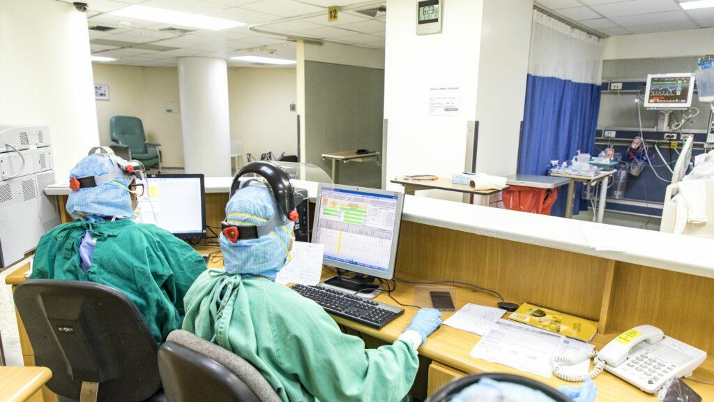 Clínicas de Caracas operan al límite por pacientes con COVID-19