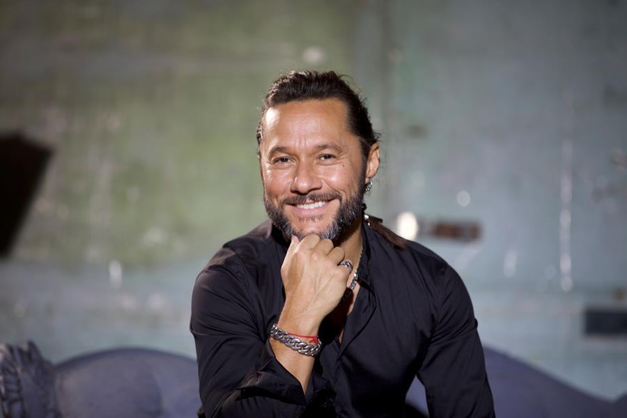 Diego Torres comparte su música en las experiencias digitales