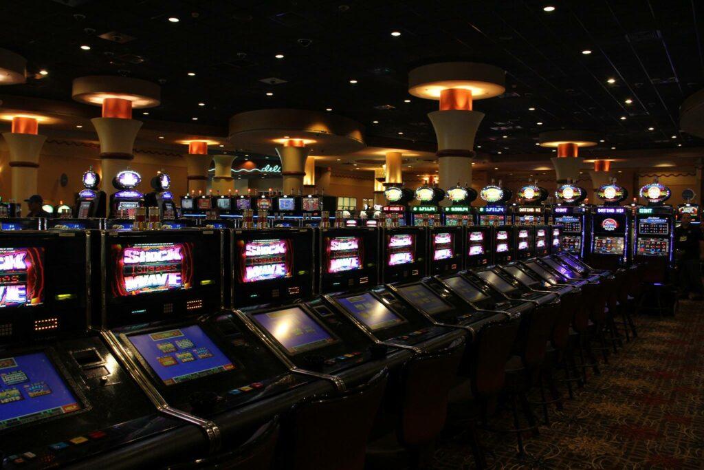 Exempleado fue condenado por millonario robo a casino de Florida