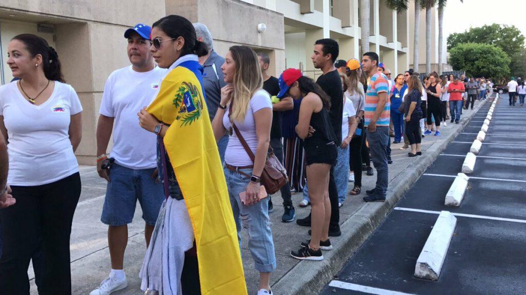 Exilio pide desconocer elecciones en Venezuela