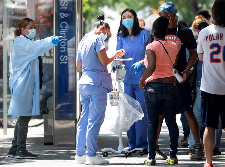 Hackers chinos y alerta sobre americanos enfermos suman drama al coronavirus