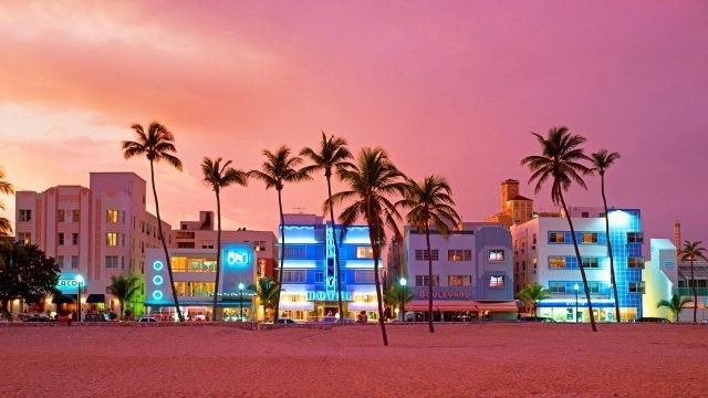 Ingresos de negocios turísticos de Florida cayeron el 82 % por la pandemia