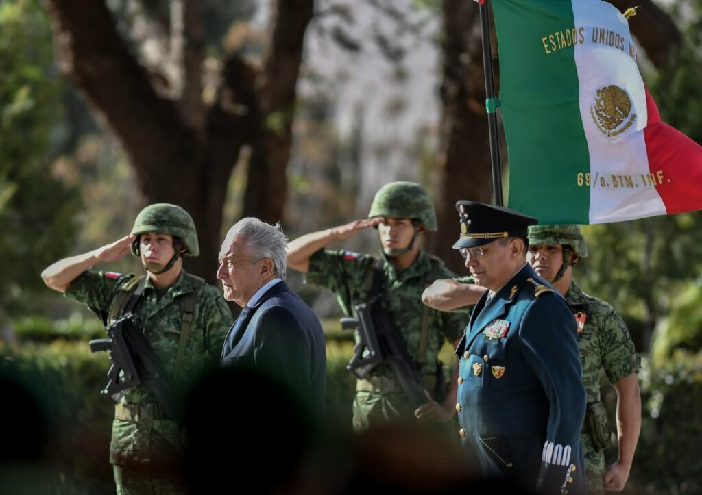 López Obrador pone el Ejército al mando de aduanas para frenar drogas